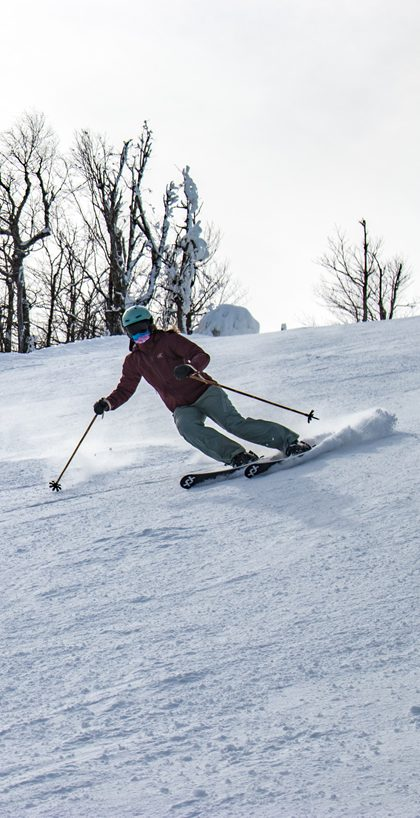 Skiing the top of Mohawk